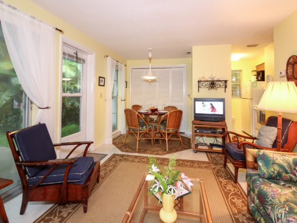 Garden Apartment 2 Living Room Anna Maria Island