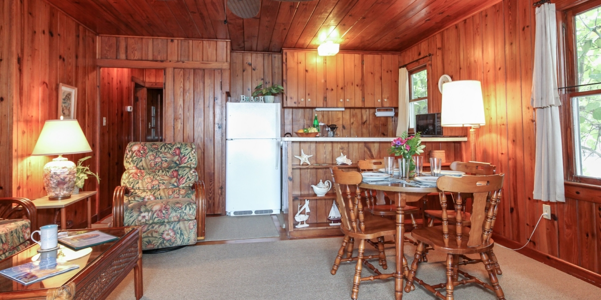 cottage-one-dining.jpg